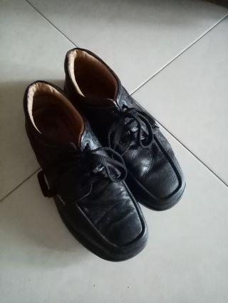 Leather shoes semi casual