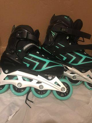 💕 Women's Firefly Size 8 Rollerblades
