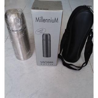 Sale Stainless steel vacuum flask with carrier. 21 cm tall (BNIB) #EndgameYourExcess