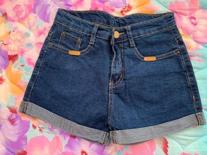 女裝牛仔短褲