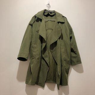 🚚 韓版顯瘦長版軍綠色設計感防風外套