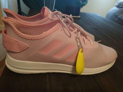 Adidas cloudfoam shoes