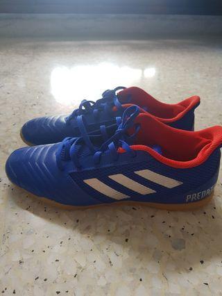 🚚 Adidas Predator 19.4 IN SALA (US 9.5)