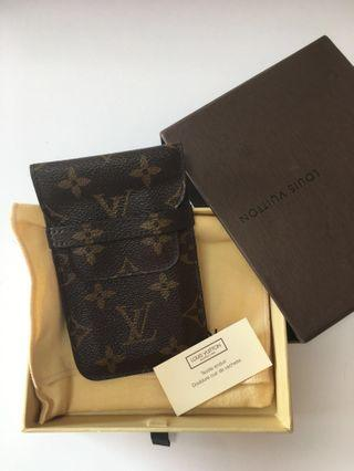 b6cbf398c661 louis vuitton monogram pouch.