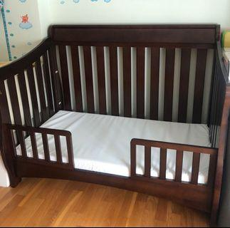 Multifunctional growth type baby cot bed
