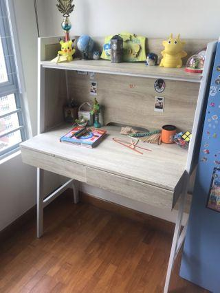 🚚 Study Table with chair