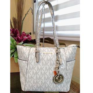 ffc22622d98526 MK Michael Kors Jet Set Leather Trapeze Tote Bag Shoulder Bag Hand Bag  Women's Bag VANILLA