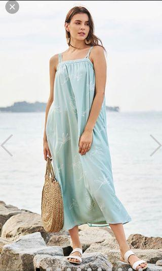 🚚 Bnwt the closet lover LEANE PRINTED MAXI DRESS IN SPRING MINT in xs