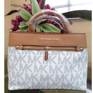 b5d26160c21bf6 MK Bag Michael Kors Signature Logo Monogram Hand Bag Sling Bag Detachable  Strap Women's Bag VANILLA