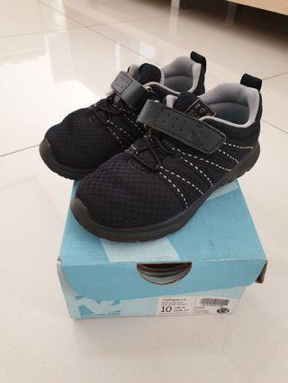 Sepatu sekolah Toe Zone (unisex) size 27