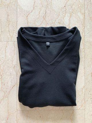 uniqlo v neck drape half sleeve blouse