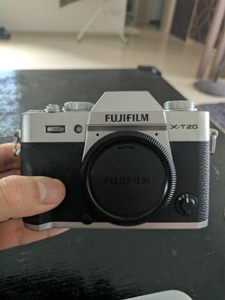 🚚 Fuji X-T20 Silver Body Only