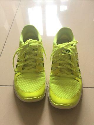 Nike 螢光綠球鞋 26.5cm