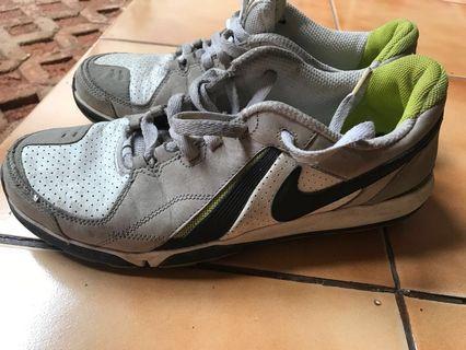 Sepatu nike sparq size 44