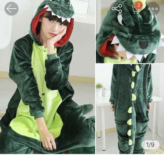 🚚 恐龍睡衣
