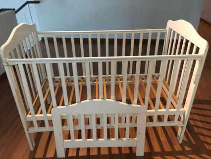 Sturdy baby cot