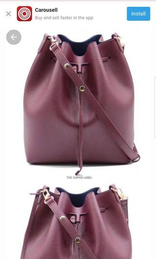 🚚 The Sophia Label Reina Bucket Bag in Burgundy