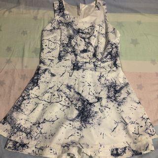 🚚 Marble Print Romper
