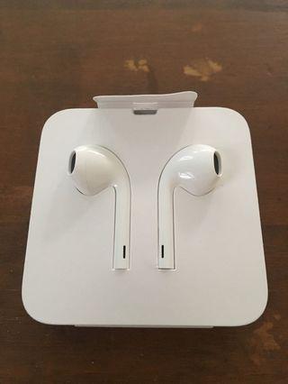 Apple EarPods 🎧 Lightening for iPhone7 or newer