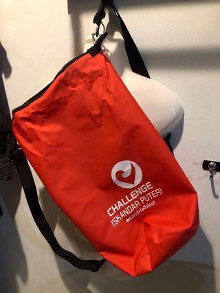 CHALLENGE ISKANDAR PUTERI water proof bag