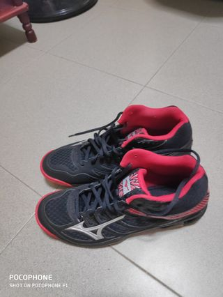 836d3df9c7ab mizuno shoes volleyball | Sports | Carousell Singapore