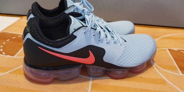 Nike Vapormax Ladies US9.5