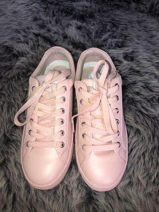 Guess Shoes Baby Pink
