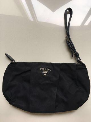 🚚 Prada clutch purse