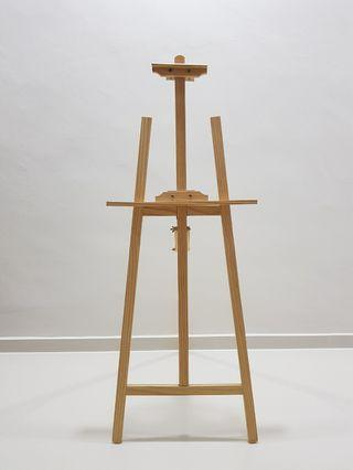 🚚 Wooden Easel   For rent