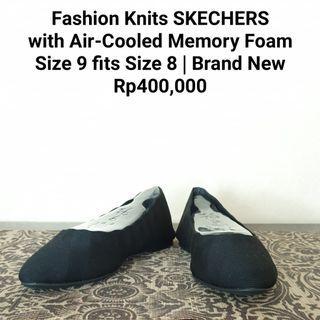 Fashion Knits Skechers
