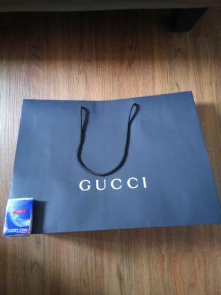 真。Gucci 大號紙袋