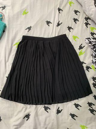 🚚 Pleated Black Chiffon Skirt