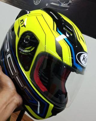 Helm kyt rc seven size L masih batu