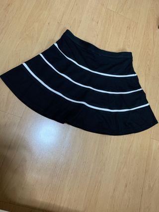 🚚 Club Monaco skirt