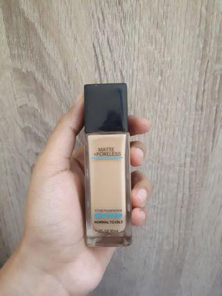 Maybelline Fit Me Foundation - 220