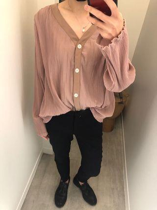 全新轉賣Mericci22 莓紅色 皺摺V領襯衫開襟衫 可當外套 小喇叭袖