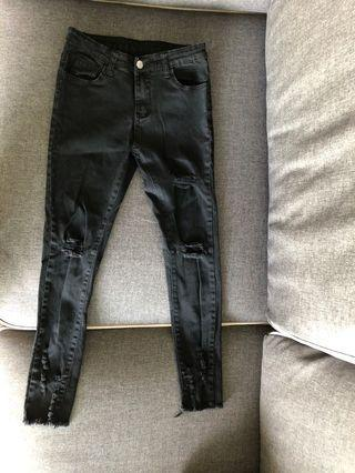 Women black ripped jean
