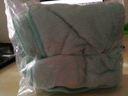 Fluffy soft portable blanket