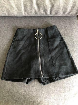 Black skirt/pant with front zip