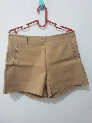 Hotpants Yuan