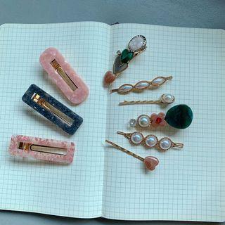 🚚 Vintage hair clips