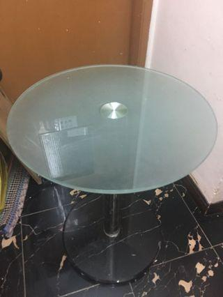 Free of charge 玻璃圓枱 Hotel glass table