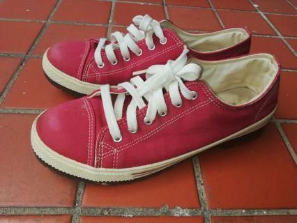 Women Canvas Sneakers Red Shoes (Made in Korea)
