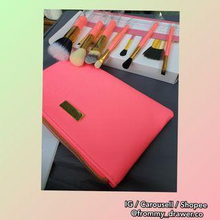 BH Cosmetics Neon Pink Brush Set