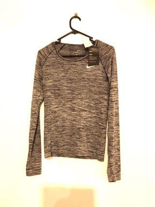 Nike long sleeve top BNWT