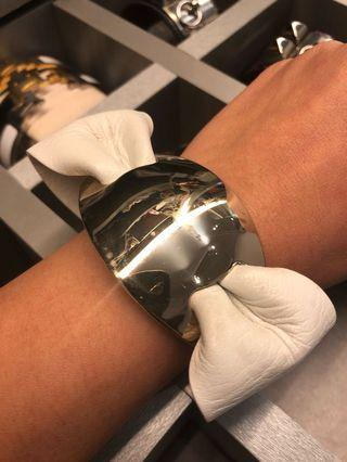 🚚 Authentic Ferragamo leather cuff/bangle