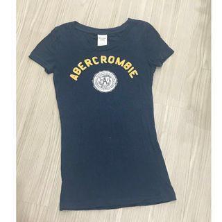 🚚 A&F 海軍藍上衣/ T恤