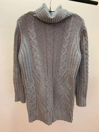 高領厚針織毛衣