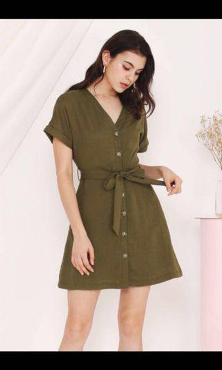 🚚 TWL Katie Buttondown dress in Matcha