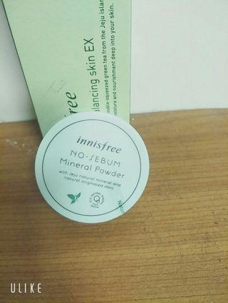 🚚 韓國Innisfree 吸油蜜粉(綠)